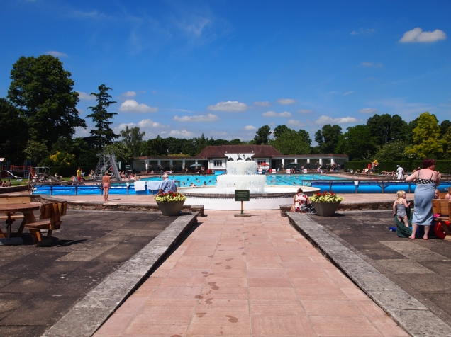 Sandford Parks Lido from its entrance
