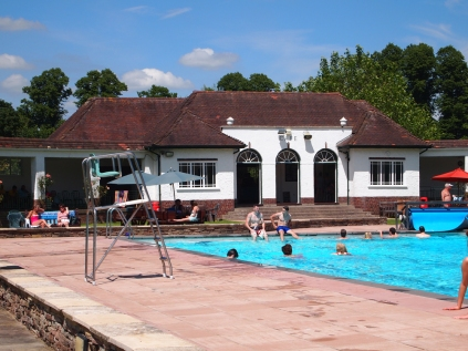 The pavilion at Sandford Parks Lido